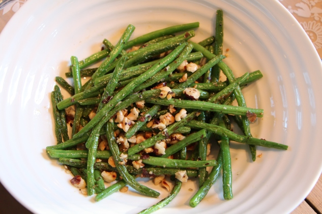 Nutty green beans