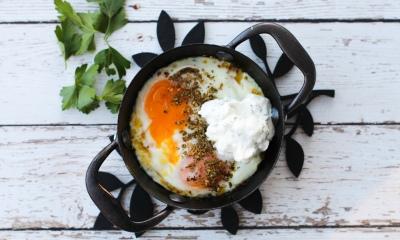 bakte egg med zaatar